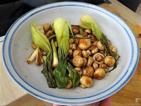 Pak Choi, Champignons und Kartoffelspalten (24)