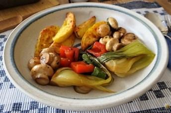 Pak Choi, Champignons und Kartoffelspalten (31)