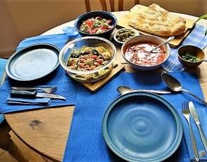 Zucchiniröllchen, Tomatensauce und Tomatensalat (29)