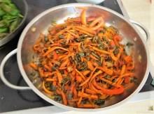 Gemüse-Portulakpfanne mit Joghurtdip (14)