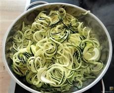 Zucchini Zoodles mit Gorgonzolasauce(14)