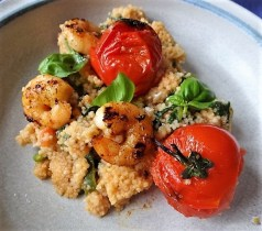 Couscous mit Babyspinat,Tomaten und Garnelen (18)