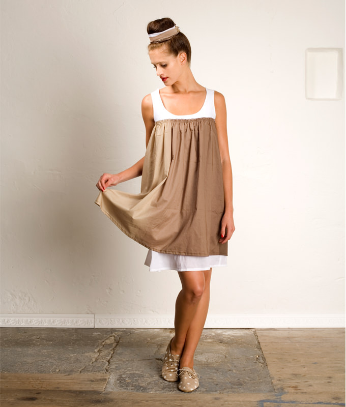 Schnittmuster KleiSchnittmuster Kleid Lelia ist ein luftiges Sommerkleid mit Raffung im Vorder- und Rückenteild Lelia ist ein luftiges Sommerkleid mit Raffung im Vorder- und Rückenteil