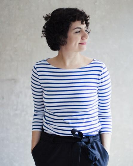 Nähanleitung Shirt nähen - Schnittmuster Shirt Damen mit U-Boot-Ausschnitt - Modular Collection - Schnittduett - Moderne Schnittmuster für Frauen, die minimalistische Mode lieben