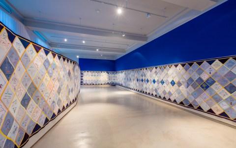 1000 Tücher gegen das Vergessen, Ausstellungsansicht, Museum Europäischer Kulturen, © Staatliche Museen zu Berlin / David von Becker