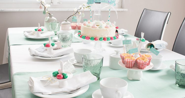 Frhlingshafte Tischdeko zu Ostern in mintgrn