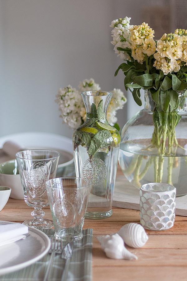 Tischdeko zum Spargelessen mit DEPOT Glsern und Karaffe