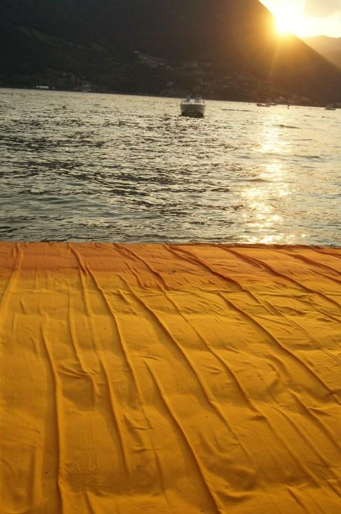 FloatingPiers03