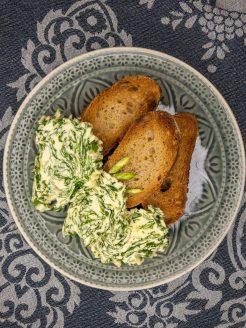 Bärlauch Butter mit Brot