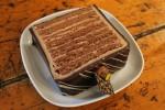 Italienischer Schoko-Mousse-Kuchen mit Marzipanrand