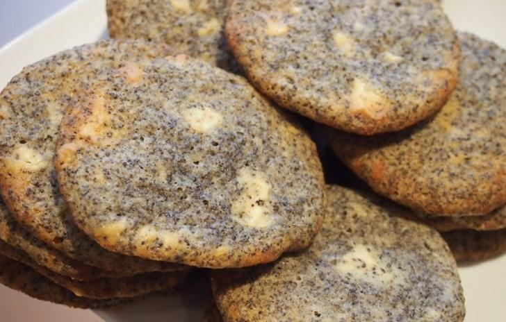 Ein Teller voller Cookies