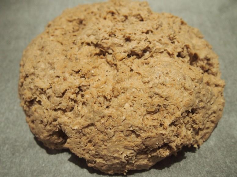 Rohe Brot-Kugel