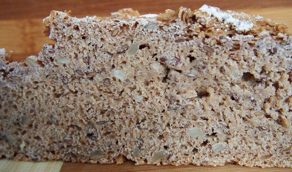 Richtig leckeres und richtig gesundes Vollkorn-Kefir-Brot mit Sauerteig