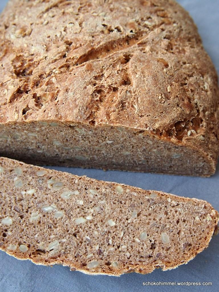 Für einen gesunden Start in die neue Woche: Roggen-Vollkorn-Brot
