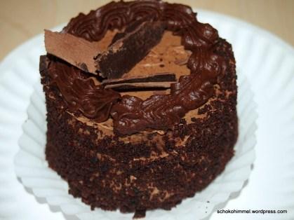 Mini Midnight Layer Cake bei Eileen's Special Cheesecake