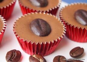Nougat-Cappuccino-Töpfchen, köstliche Kleinigkeit