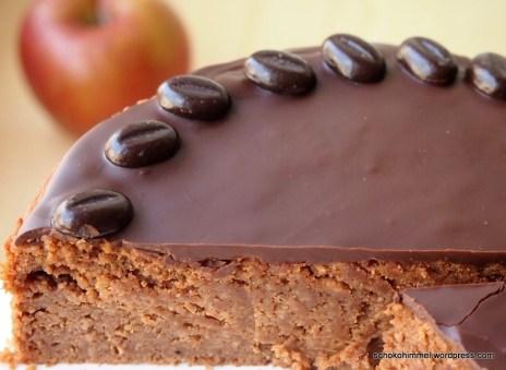 Apfel-Kuchen mit dunkler Schokolade