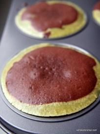 Cheesecake-Brownies unversehrt in der Form