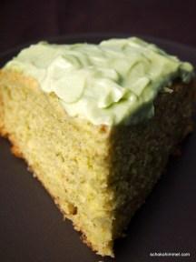 cremiger Pistazien-Avocado-Kuchen
