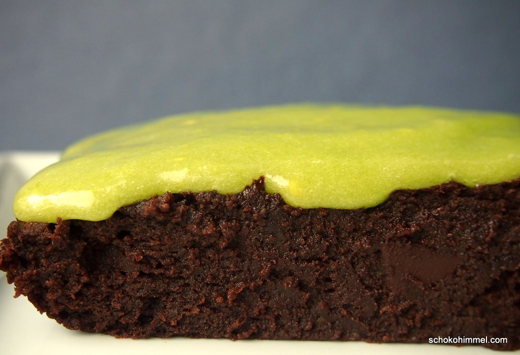 kletschige Brownies mit giftgrünem Avocado-Topping