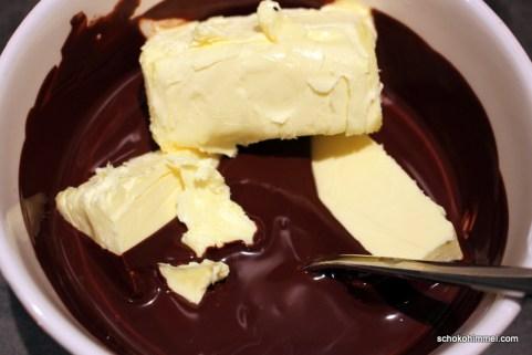 Butter und Schokolade schmelzen