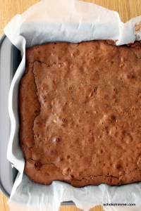 frisch aus dem Ofen: Mandel-Brownies
