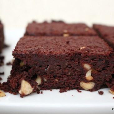 Mit viel Schokolade ins neue Jahr: Cashew-Brownies