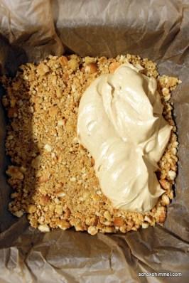 Keksboden und Erdnusscreme