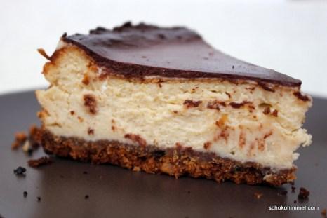 Tahini-Cheesecake mit Keksboden