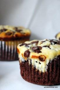 Schoko-Muffins mit Cheesecake-Füllung