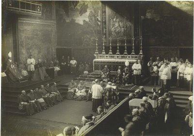 Messe devant Pie XI à la Chapelle Sixtine