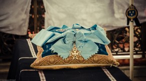 Requiem solennel pour Louis XVI du 21 janvier 2013 : le cordon de l'Ordre du Saint-Esprit, sur le catafalque