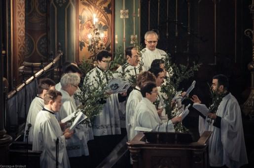 Dimanche des Rameaux 2013 : chant des antiennes processionnelles par les chantres de la Schola Sainte Cécile