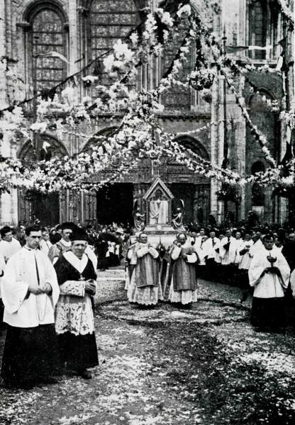 Fêtes Mariales de 1927 - Ostension du voile de la Vierge