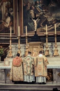 1ère messe de M. l'Abbé Lacroix, fssp, à Notre-Dame-des-Victoires, le 3 août 2013 : début de l'offertoire