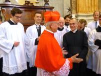 Le Cardinal Hoyos, l'Abbé Iborra & les chantres de la Schola Sainte Cécile