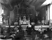 Vue du chœur de la cathédrale de Palo transformée en hôpital militaire