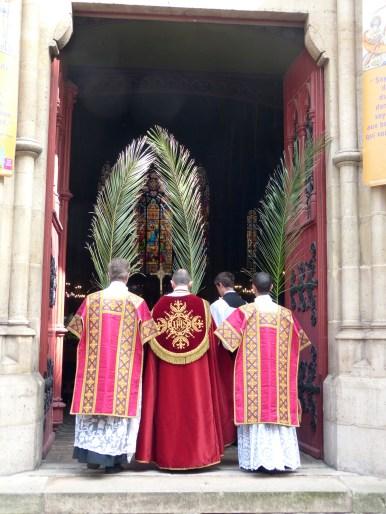 Rameaux 2014 - 20 - ouverture des portes de l'église - Ingrediente Domino