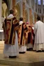 27 - Messe pontificale du lundi de Pentecôte célébrée par Mgr Aillet dans la cathédrale de Chartres