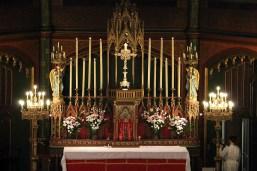 01 - L'autel avant la messe