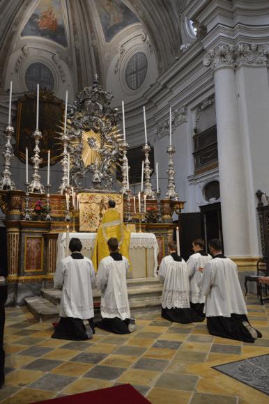 Salut du Très-Saint Sacrement à Turin 01