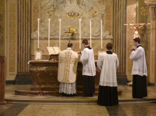 07 Messe de la saint Yves en la chapelle des Spiritains