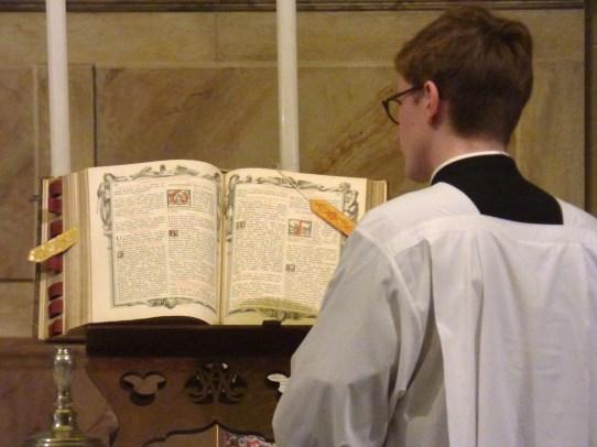 08 Messe de la saint Yves en la chapelle des Spiritains