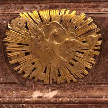 14 Messe de la saint Yves en la chapelles des Spiritains - détail du maître-autel - le Saint-Esprit