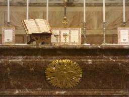 16 Messe de la saint Yves en la chapelles des Spiritains - l'autel