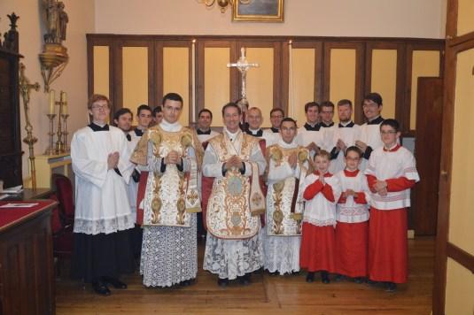 07-Messe de la Fête-Dieu - A la sacrisite après la messe