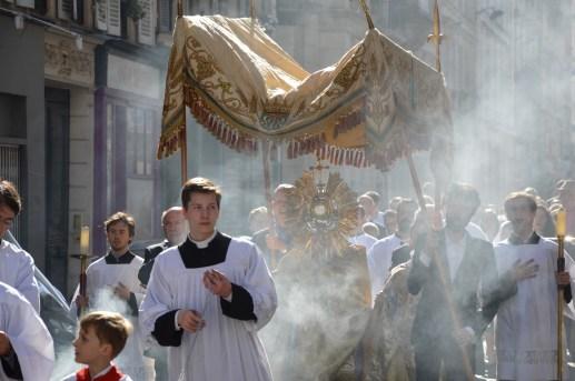 24-Procession de la Fête-Dieu