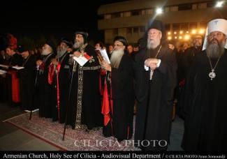 14-Consécration du saint myron par Aram Ier