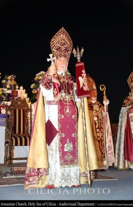 18-Consécration du saint myron par Aram Ier