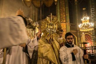 12-Messe d'exposition des Quarante-Heures - procession du Saint Sacrement